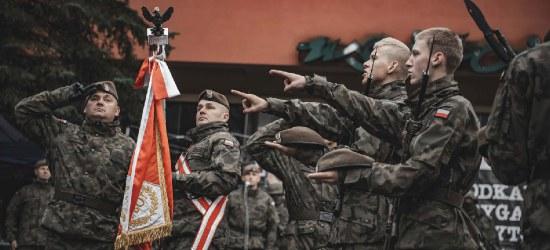 Terytorialsi złożyli przysięgę w Lesku. 53 ochotników w tym 13 kobiet (FOTORELACJA)